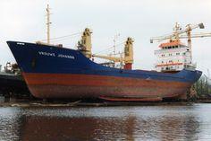 7 mei 1993 bij Niestern Sander B.V., Delfzijl  VROUWE JOHANNA   http://vervlogentijden.blogspot.nl/2015/11/elke-dag-een-nederlands-schip-uit-het_18.html