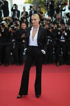 """Charlize Theron Photos - Actress Charlize Theron attends """"The Last Face"""" Premiere during the 69th annual Cannes Film Festival at the Palais des Festivals on May 20, 2016 in Cannes, France. - 'The Last Face' - Red Carpet Arrivals - The 69th Annual Cannes Film Festival"""