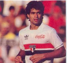 Rai.. uno de los mejores 8 de Brasil de la historia