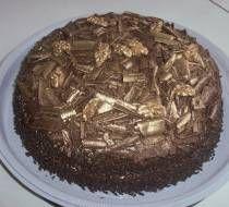 Receita de Bolo de chocolate com mousse de maracujá e cobertura de chocolate - Receitas Supreme