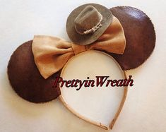 Browse unique items from PrettyinWreath on Etsy, a global marketplace of handmade, vintage and creative goods.