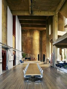 Ricardo Bofill transformed a former cement factory on the outskirts of Barcelona into a home.