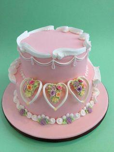 Lambeth Royal Icing Cakes, Cake Icing, Fondant Cakes, Cupcake Cakes, Cupcakes, Gorgeous Cakes, Amazing Cakes, Ladybug Cakes, Buttercream Flower Cake