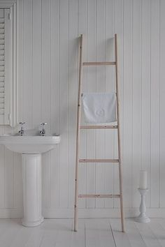 Wooden towel ladder