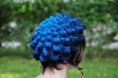 This fun hat uses black Rit Dye on aqua wool.