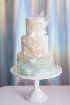 Unique Wedding Cake Trends & New Cake Designs Creative Wedding Cakes, Beautiful Wedding Cakes, Gorgeous Cakes, Wedding Cake Designs, Pretty Cakes, Wedding Cake Toppers, Pastel Wedding Cakes, Pastel Weddings, Purple Wedding
