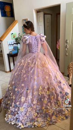 Fashion Sewing, Diy Fashion, Fashion Outfits, Sewing Clothes, Diy Clothes, Pretty Outfits, Pretty Dresses, Diy Vetement, Disney Princess Dresses