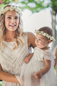 Effortless Beauty in Hawaii / Wedding Style Inspiration / LANE