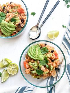 Week 3 of the Meal Prep Series is finally here and couldn't be better than this Spanish Rice & Beans with Chicken recipe. Spanish Rice And Beans, Chicken And Spanish Rice, Spanish Rice Recipe, Sin Gluten, Gluten Free, Weeknight Meals, Easy Meals, Peanut Free Foods, Meal Prep For The Week