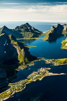 I always love it when it is so sharply cut Lofoten Norway Places Around The World, The Places Youll Go, Travel Around The World, Places To See, Around The Worlds, Lofoten, Dream Vacations, Vacation Spots, Wonderful Places