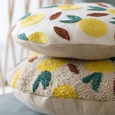 Diy Embroidery, Embroidery Patterns, Beginning Embroidery, Fabric Manipulation Techniques, Diy Broderie, Diy Pillow Covers, Punch Needle Patterns, Boho Cushions, Contemporary Embroidery