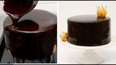Když jsem tuto glazuru dělal poprvé, byl jsem velmi znepokojen: tak jsem počkal dokud glazura nepřimrzla a výsledek byl okouzlující. Tento dezert bude vždy přinášet radost na svátečním stole! Tento recept byl nad moje očekávání, povlak na dortu je velmi krásný. Šumivý, lesklý povrch bez jakéhoko