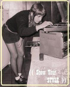... Stupefaction ...: Skinhead chicks dig vinyl
