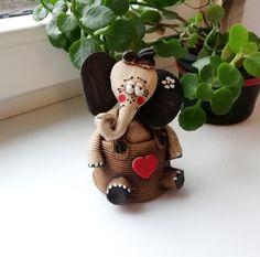 Air Dry Clay, Christmas Ornaments, Vintage, Holiday Decor, Home Decor, Ideas, Clay, Art, Figurines