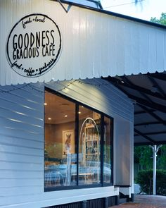 Goodness Gracious Cafe // Graceville, Brisbane // Interior Design // Graphic Design // Ellivo Architects // www.ellivo.com