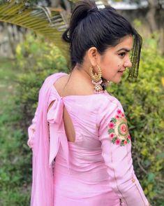 – Girl Next Door Fashion Salwar Designs, Kurti Neck Designs, Dress Neck Designs, Kurti Designs Party Wear, Designs For Dresses, Blouse Designs, Blouse Patterns, Blouse Styles, Designer Punjabi Suits