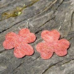 Boucles d'oreilles en paille: trèfle rouge Fibres, Earrings, Jewelry, Ears, Boucle D'oreille, Locs, Red, Bijoux, Ear Rings