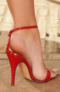 ♡♡♡♡♡♡♡♡ #hothighheelslegs #highheelsstockings