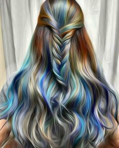 Stunning long wavy hair of different colors // colormelt