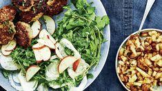 Frikadeller med sprøde kartofler og vintersalat