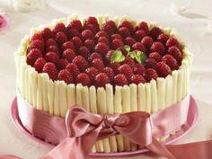 Bílý čokoládový dort s malinami