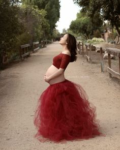 : A showcase of Pregnancy and Newborn Imagery Maternity Tutu, Maternity Studio, Maternity Session, Maternity Photography, Baby Bump Pictures, Maternity Pictures, Pregnancy Images, Pregnancy Belly, Tutu Outfits
