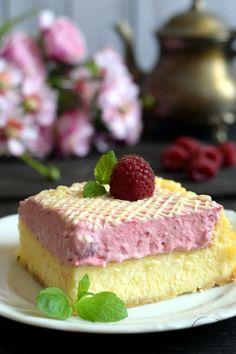 Brownie z orzechami laskowymi Cake & Co, Pastry Cake, Pastry Recipes, Cheesecakes, Food, Raspberries, Bakken, Patisserie Cake, Essen