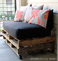 Wonderfully Made: Outdoor Pallet Bench