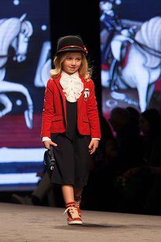 Monnalisa fashion show fall winter 2017 - 2018 at the Leopolda Station during Pitti Bimbo 84. All the details on the kids fashion blog.