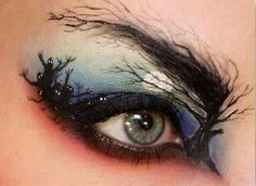 somebody do my eyes like that please!!!!!!!!!!!!!!!!!!! This makes me happy even though I am sure  it is not real.