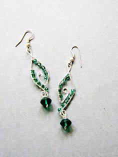 wire wrapped jewelry | Handmade wire wrapped earrings, Green Dangles, handmade jewelry ...