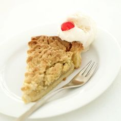 An apple on Highway 401 beckons travelers to The Big Apple for delicious treats. Their crumble-topped pie remains a secret recipe, but ours is sweetly similar. Enjoy a slice with milk or a hot cup of tea. Apple Crumble Pie, Crumble Topping, Apple Pie, Oatmeal Pie, Secret Recipe, Calories, Cinnamon Apples, Yummy Treats, A Food