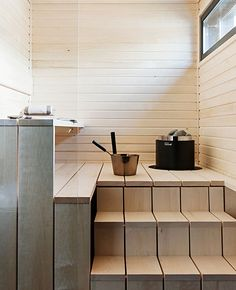 People have been enjoying the benefits of saunas for centuries. Spending just a short while relaxing in a sauna can help you destress, invigorate your skin Sauna House, Sauna Room, Saunas, Living Room Green, Home And Living, Sauna Shower, Sauna Design, Earthy Home Decor, Outdoor Sauna