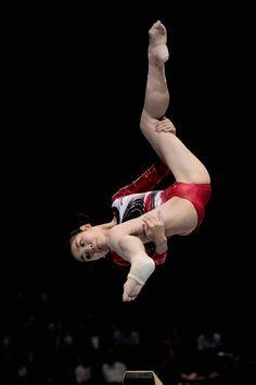Sport Gymnastics, Artistic Gymnastics, Gymnastics Photography, Sport Photography, Athlete Motivation, Girls Spreading, Body Issues, Female Gymnast, Athlete Workout