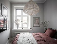 Nordic Bedroom, Warm Bedroom, Scandinavian Apartment, Tv In Bedroom, Scandinavian Bedroom, Bedroom Decor, Minimalism, Sweet Home, Interior Design
