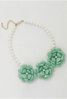 Mint Green Flower Pearl Necklace - ACCESSOIRES - Retro, Indie and Unique Fashion