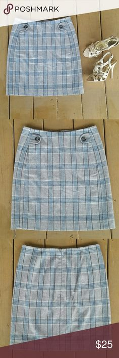 """Banana Republic wool blend above knee A-line skirt Versatile, professional, and figure flattering wool blend skirt from Banana Republic.  Gray, blue, black, and white plaid Zipper back closure Fully lined 2 front pockets Excellent Used Condition,  no flaws  Measurements lying flat:  13.5"""" Waist 18.5"""" Length  Guess heels available seperately Banana Republic Skirts A-Line or Full"""