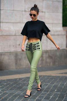 American actress and singer Victoria Justice wearing green leather pants: Jenaye Noah, Leder Outfits, Keke Palmer, Celebrity Babies, Celebrity Women, Celebrity Style, Alyson Hannigan, Eva Longoria, Sexy Legs