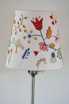 5 Motivated Tips: Glass Lamp Shades lamp shades ideas ikea hacks. Square Lamp Shades, Old Lamp Shades, Small Lamp Shades, Shabby Chic Lamp Shades, Rustic Lamp Shades, Painting Lamp Shades, Table Lamp Shades, Table Lamps, Ikea Lamp Shade