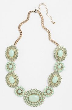 Mint Statement Necklace --- A nice piece of jewelry can give a pop to a classic presentation outfit. Cute Jewelry, Jewelry Box, Jewelry Watches, Jewelry Accessories, Fashion Accessories, Jewelry Necklaces, Fashion Jewelry, Jewelry Making, Jewlery
