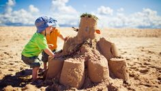 Protect the kids from the sun, know your flags and be careful on the cliffs. Top Beach safety tips from Sands Resort, Cornwall New Travel, Holiday Travel, Family Travel, Building Sand, Building For Kids, Marmaris, Holidays With Toddlers, Solar, Sands Resort