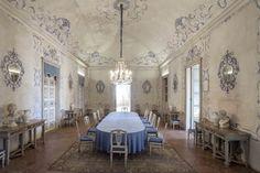 Castello di San Giorgio Canavese: sala da pranzo. Sotheby's sbarca a Torino per vendere immobili di prestigio
