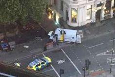 Sebuah Van Ditabrakan ke Jamaah Sholat Jumat Bukti Kebencian Besar Terhadap Islam di Inggris : Seorang pria kulit putih telah dengan sengaja menabrakkan sebuah kendaraan jenis van ke arah jemaah salat dekat sebuah masjid di London Utara kata Dewan Muslim Inggris