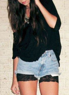 Great idea, put some short lace tights (or cut your own) under your shorts for a cute and fun look. Lace Biker Shorts, Shorts Jeans, Shorts With Tights, Short Outfits, Summer Outfits, Cute Outfits, Summer Dresses, Shorts Under Dress, Concert Looks
