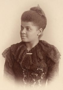 Ida B Wells, journaliste qui refusa de se lever dans un bus en 1931 aux USA.                                                                                                                                                                                 Plus