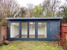 Garden Shed Design Backyard Office Ideas - Alles über den Garten Shed Office, Backyard Office, Backyard Studio, Outdoor Office, Gym Shed, Home Office, Summer House Garden, Home And Garden Store, Summer Houses Uk