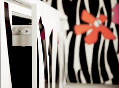 Lacquered kitchen without handles ZEBRA Enrico Coveri Living Collection by Aster Cucine