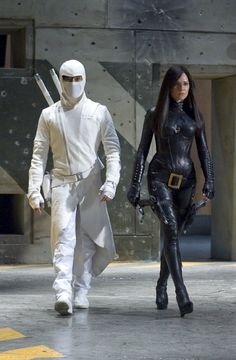Still of Byung-hun Lee and Sienna Miller in G.I. Joe: The Rise of Cobra