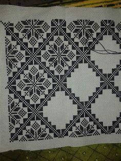 Imelda's media content and analytics Cross Stitch Borders, Modern Cross Stitch, Cross Stitch Designs, Cross Stitching, Cross Stitch Patterns, Blackwork Embroidery, Cross Stitch Embroidery, Embroidery Patterns, Cross Stitch Cushion
