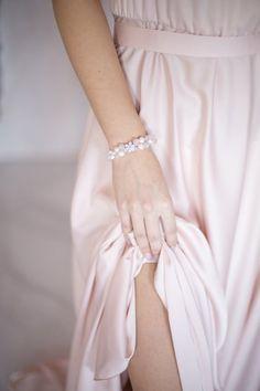 Wedding bracelets Bridal bracelets Flower bracelets Pearl | Etsy Bridal Bracelet, Flower Bracelet, Wedding Bracelets, Wedding Jewelry, Or Rose, Rose Gold, Bridal Hair Pins, Bridal Hair Accessories, Glass Beads